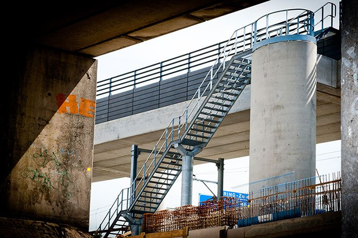 Fly over trap- en railingwerk door Ovec