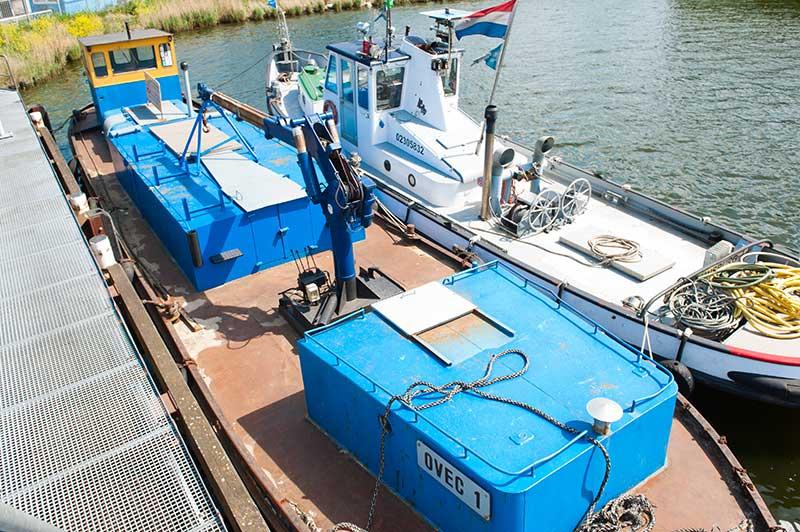Binnenship Ovec Multiservice Reparaties op het water