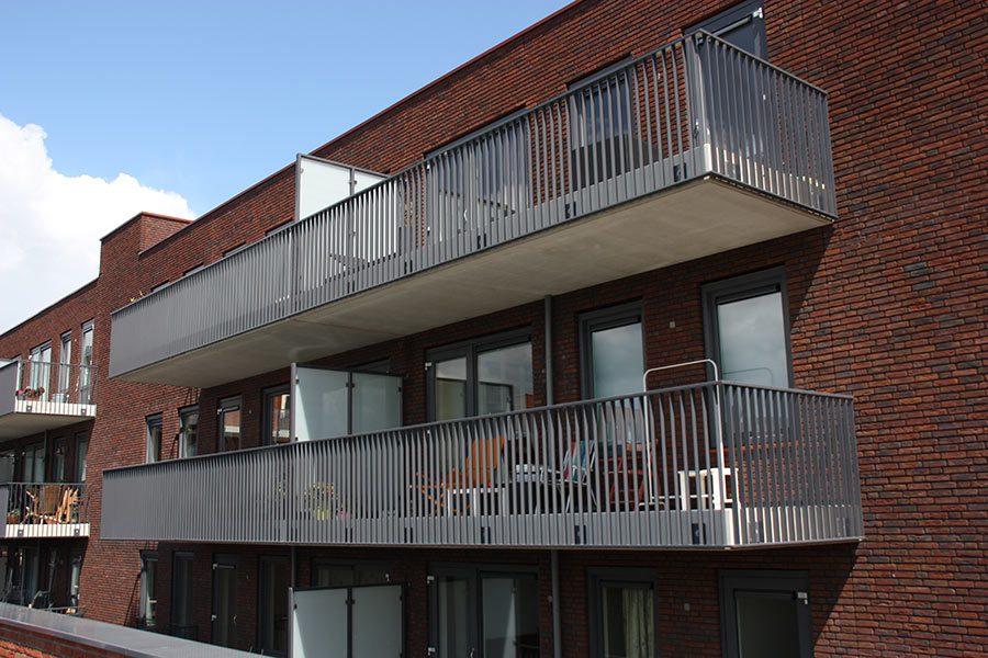 Stalen balkon Groeneweg door Ovec Multiservice