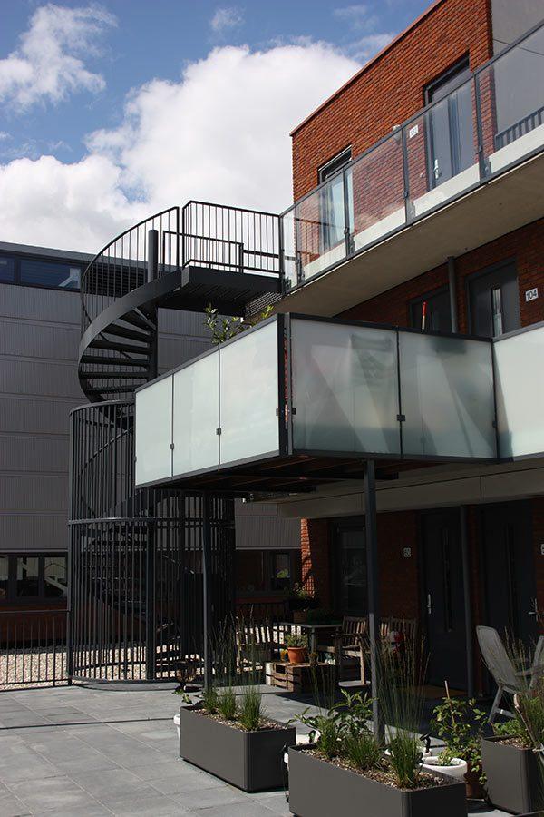 Stalen balkon constructie door Ovec Multiservice